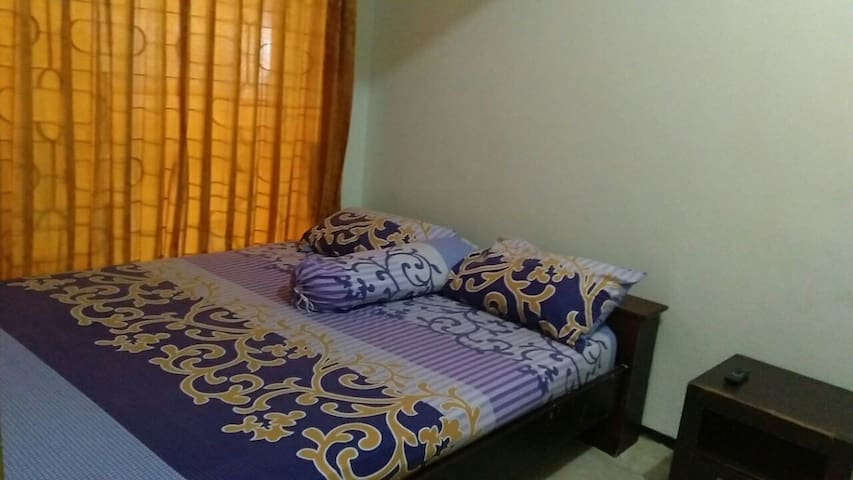 Surabaya Pusat Only Seven Guesthouse