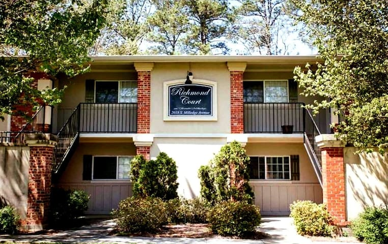 Trendy 1 BR Condo Near Historic Five Points + UGA