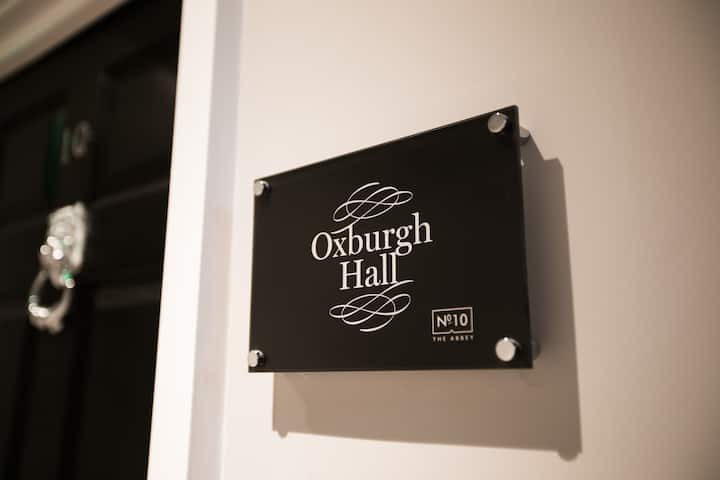 Oxburgh Hall (room name) · A Spacious & Child-Friendly Apartment Nr Norwich!