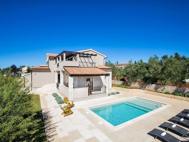 Villa Campagna with swimming pool