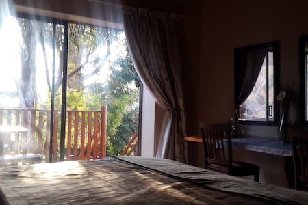 'Carlow suite' can sleep 4 guests. Self catering, - Sabie - Flat