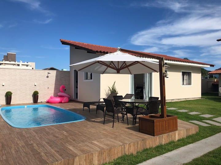 Ótima casa com piscina na praia de Canasvieiras
