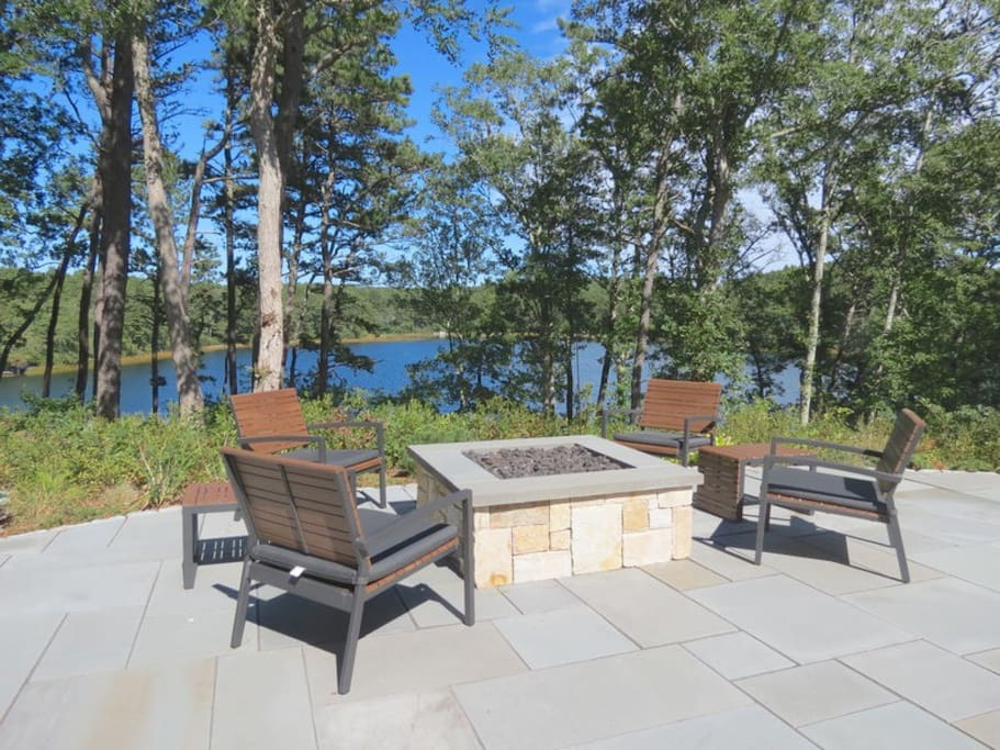 Propane fire pit with beautiful views.