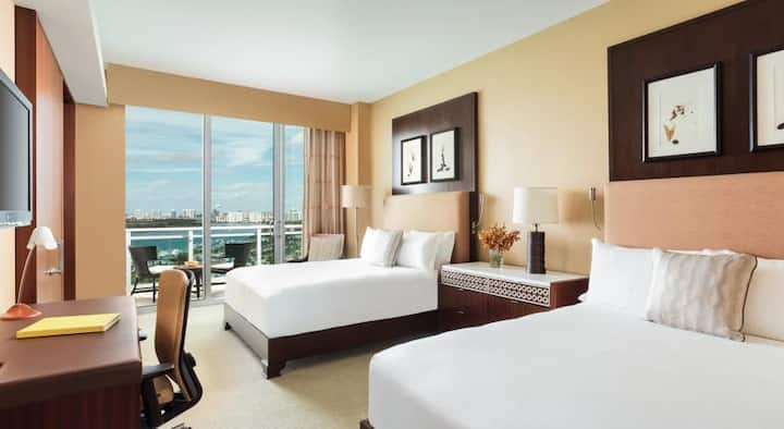 RITZ CARLTON HOTEL 2 QUEEN BED SLEEP 4 OCEAN VIEWS