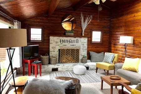 Log Home ♥︎ By Ocean ☀︎ 3 bedrooms 2 baths, Private