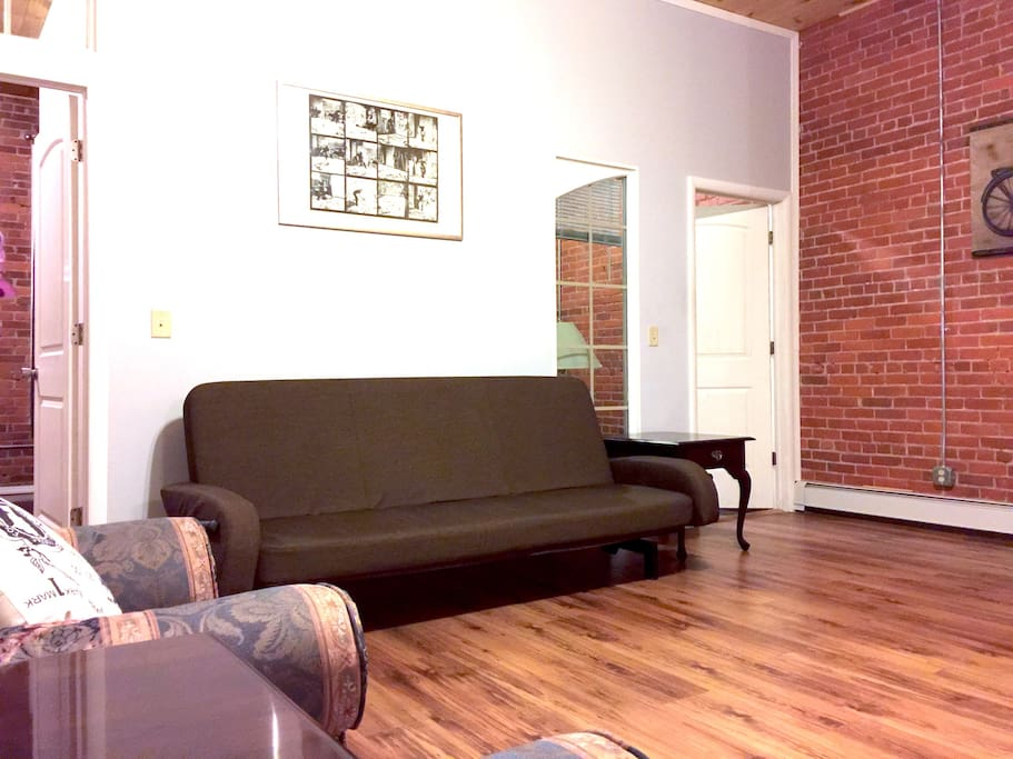 Spacious 2 Bedroom Loft In City Center Apartments For Rent In Binghamton New York United States