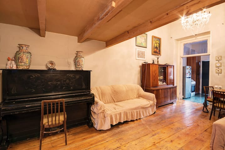 Cozy apartment in Historical Center of Tbilisi - ทบิลิซิ