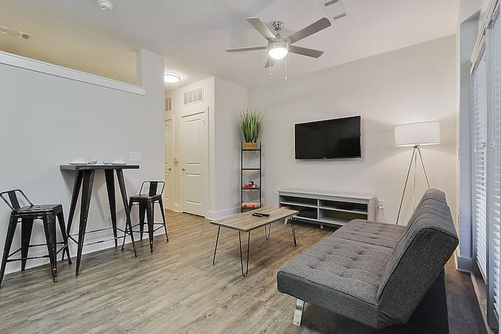 Modern Studio ★ 5 Min To City Center ~ Cable~ Gym