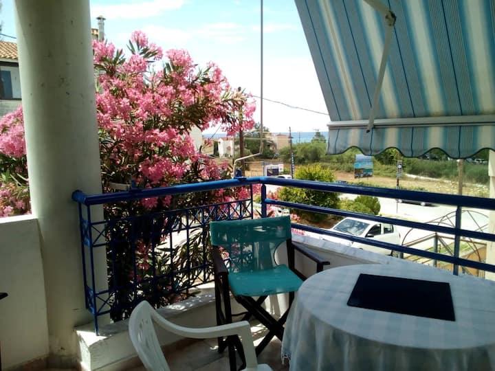 Georgia's fantastic view & garden Maisonnaite
