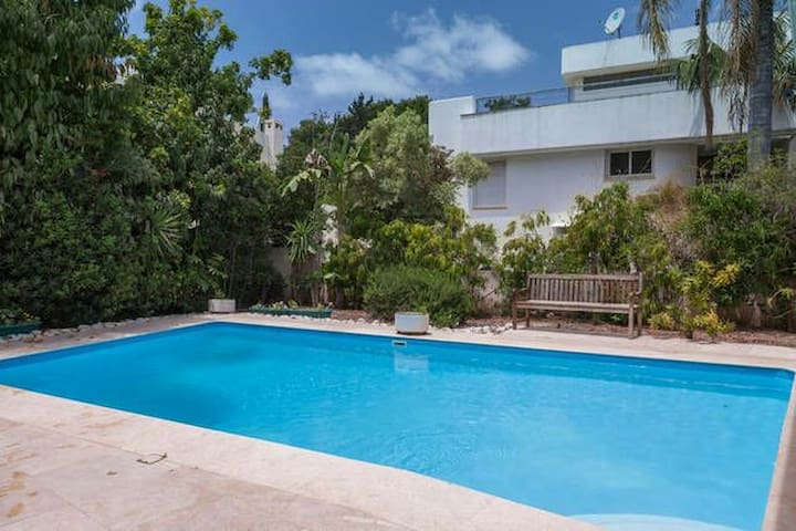 Vacation suite with pool and garden - Kfar Shmaryahu - Other