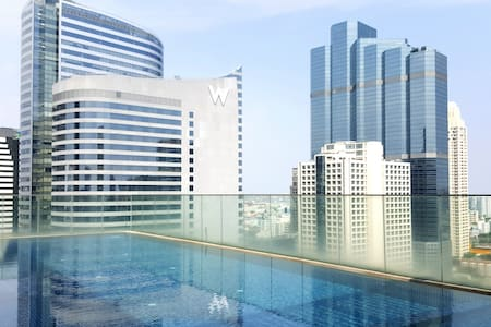 Luxury Condo at Chong Nonsi BTS! Stunning Pool!!! - Bangkok - Apartment