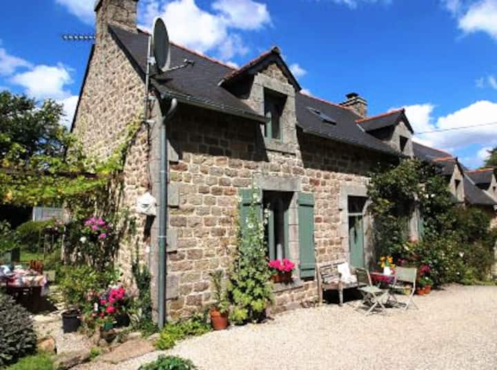 Dreamy cottage in the heart of Bretagne