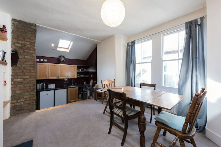 Three Bright & Airy Double Rooms in Brixton Hill - Londres - Apartamento