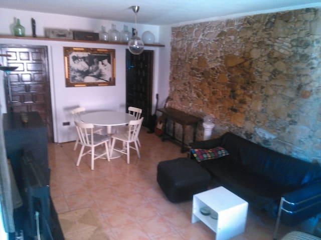 Apartamento completo en Calonge. - Calonge