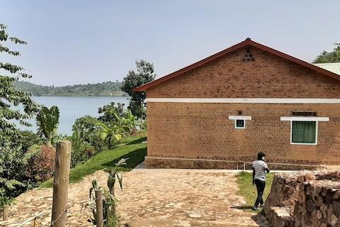 Kinunu Lake house