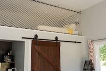 The Bird's Nest Studio with Large Yard