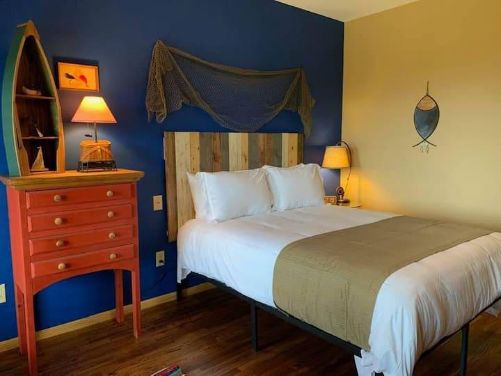 """Fisherman's Rest"" Lodge Room 108"