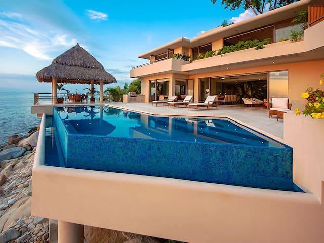 New Oceanfront Villa  Contemporary Luxury for 14 - Puerto Vallarta - Villa
