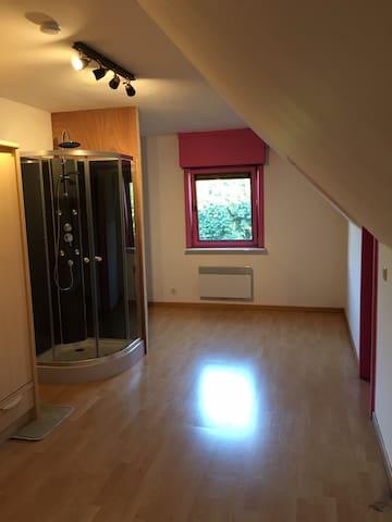 Chambres spacieuses à louer sur Kain (Tournai)