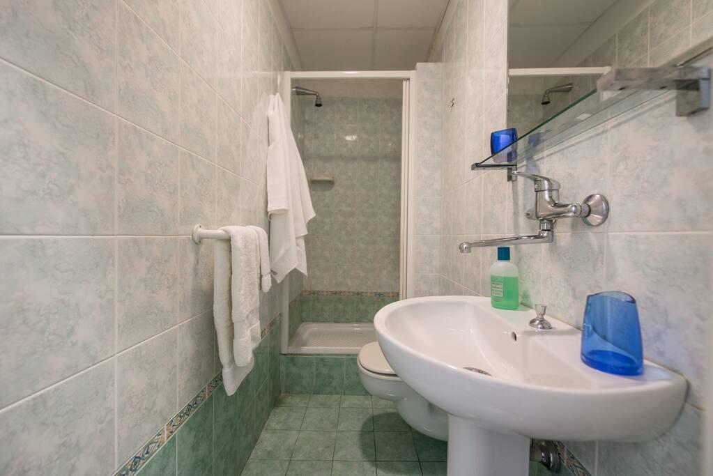 bagno privato ad uso esclusivo dei due ospiti della camera