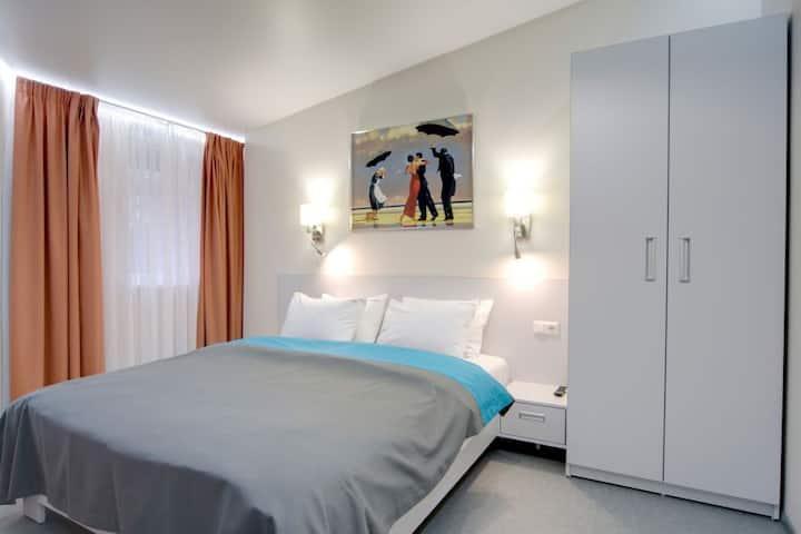 Studio apartment on 3 Lesi Ukrainki.