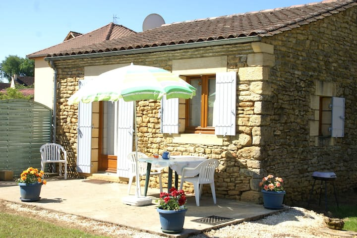 Detached holiday home near Carlux (5 km) with stunning views of the hills