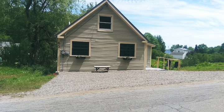 Sandy Point Maine Brook Side Coastal Cottage