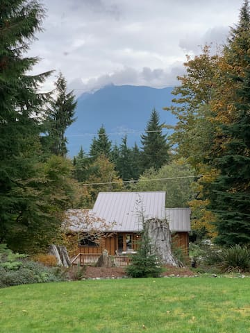 Scenic North Bend Ski Lodge w/ Mt. Si view