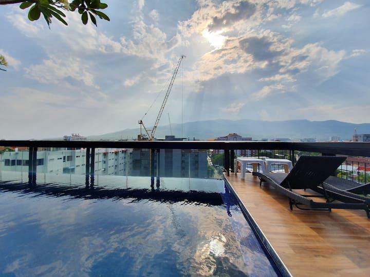 ❤️Nice Modern in Nimmanhemin with Roof Top Pool ❤️