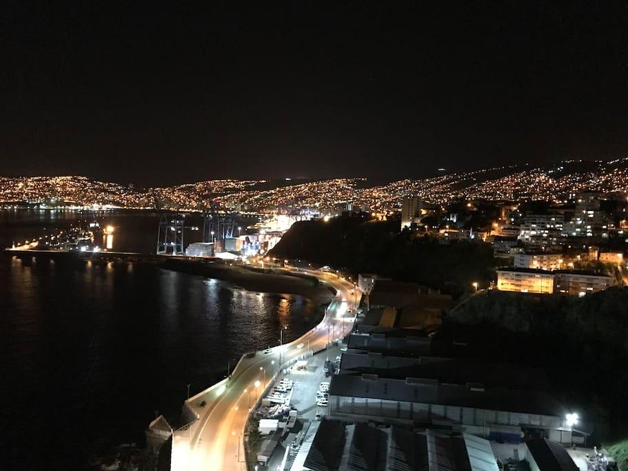 Vista del departamento en una noche romántica
