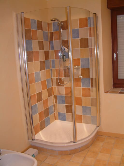 Downstairs shower room with bidet, toilet etc