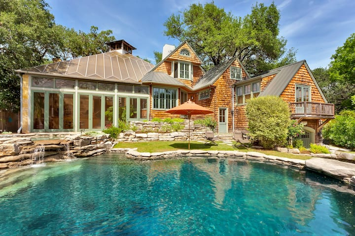 (Saltwater Pool and Hot Tub) Central Austin