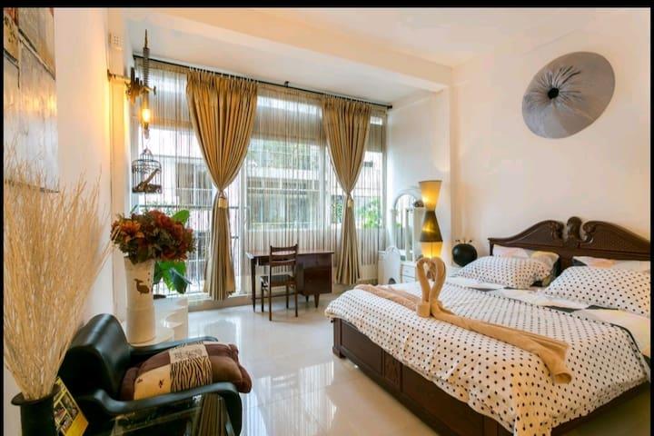 D-HOME 50 steps to Ben Thanh market, Dist 1 (101)