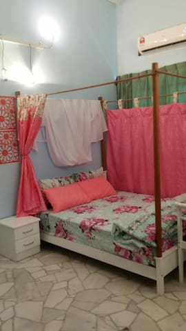 English Colonial room - George Town - Hus
