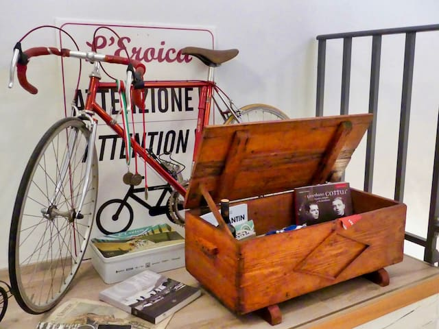 Bicicletta storica - Historic bicycle