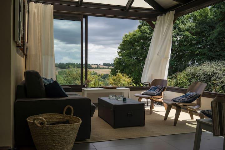 Grande maison avec vue et parc