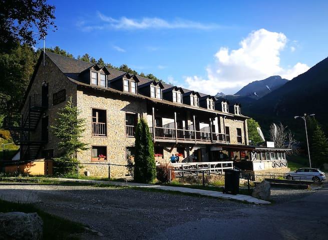 Alberg Les Daines - Habitación Cuádruple