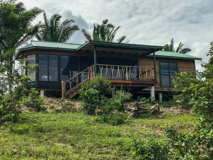 Tropical View: Inviting 90 acre; Bedroom AC; Birds