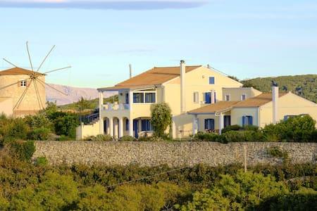 Villa Milos-Kavalos , feel good house - Lefkada