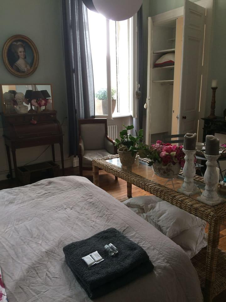 Chambre double + sdb centre-ville  - CATHÉDRALE