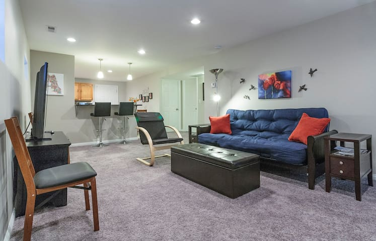 Flexible Apt. for 8 by Oak Park-CHI - Chicago - Huoneisto