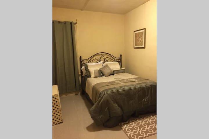 153 1B2 Private room Near NYC and EWR airport - Newark - Apartamento