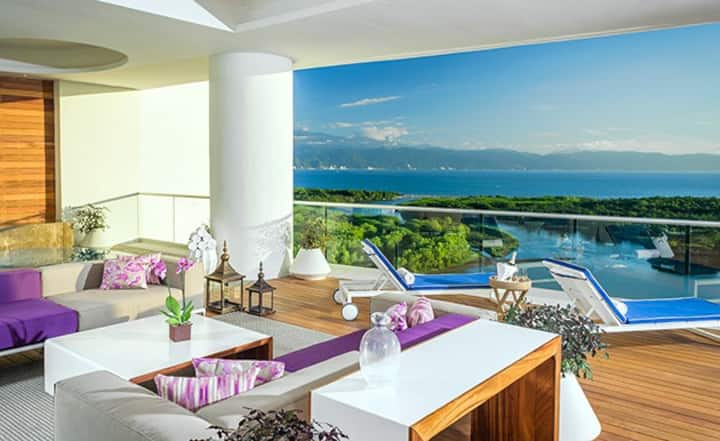 Diamond Awarded Grand Luxxe Loft in Nuevo Vallarta