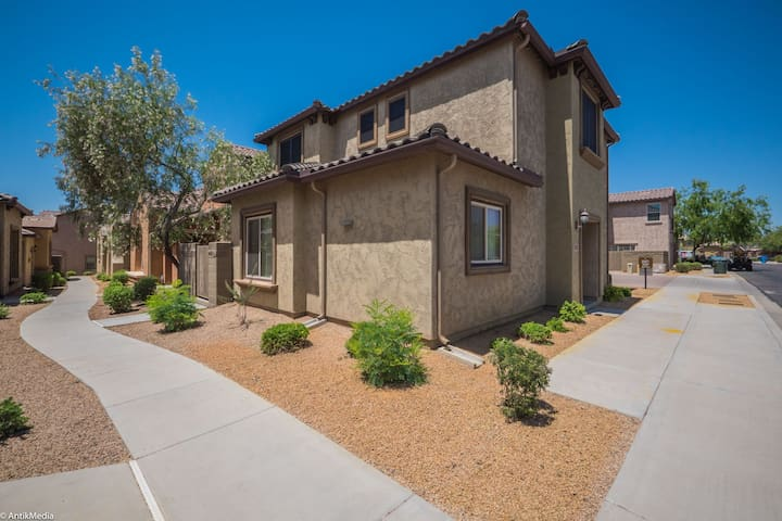 Desert Ridge Home - in beautiful gated community!
