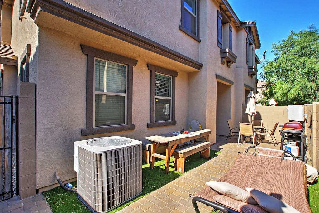 Enjoy stress-free living at this 3-bedroom, 2.5-bathroom vacation rental townhouse!