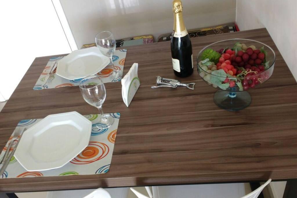 mesa de jantar para 4 pessoas