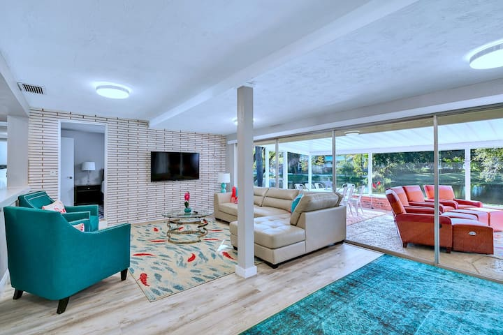 4BR Beach Home w/Outdoor Theater & Putting Green