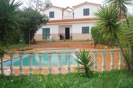 Quarteira, Bedroom&Stunning Villa - Картейры