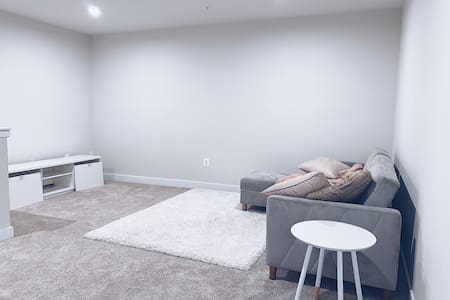 Room in Modern Basement Home