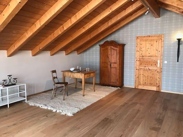 Charmante, ruhige Wohnung in Oberhaching